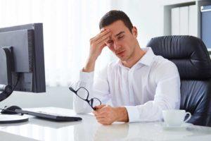 A fejfájás lehet akár a munkafüggőség tünete is